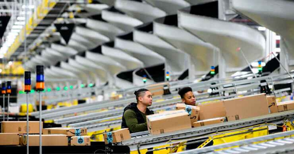 HOW THE CORONAVIRUS AND RETAIL CLOSURES ARE ACCELERATING THE RISE OF AMAZON